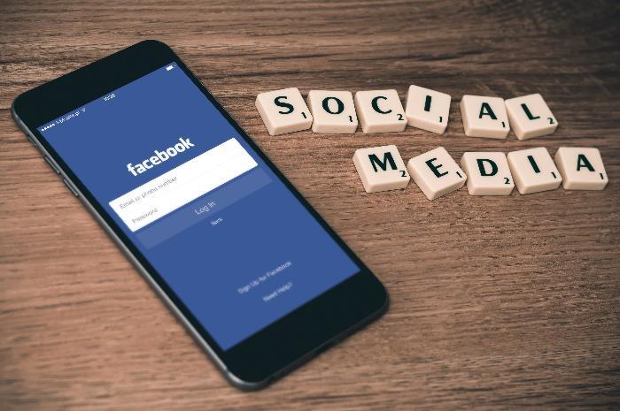 facebook cambierà il news feed delle pagine